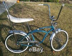 1964 Vintage Schwinn Stingray Super DeLuxe bicycle