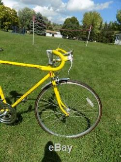 1971 Schwinn Super Sport Lemon Yellow Mens 10-speed Road Bike Brooks Vintage USA