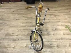 1973 Schwinn Sting-ray Fastback Bicycle Yellow Vintage Rare