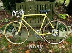 1973 Schwinn VARSITY SPORT Vintage Touring Road Bike. 24 Frame. KOOL LEMON