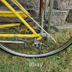 Rare Vintage 1972 Schwinn Manta Ray 5 Speed 24 Bicycle Disc Yellow USA