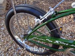 SCHWINN 1971 Sting-ray 3 speed Bicycle-Vintage BikeOriginal 71CAMPUS GREEN
