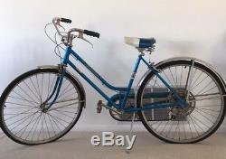 Schwinn 1971 Collegiate Vintage Women's Bicycle 5 Speed with Owners Manual