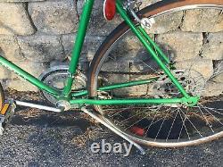 VINTAGE Schwinn Continental 10 speed road racing Varsity 22in bike Green LDO