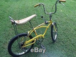 Vintage 1971 Schwinn 5 speed stingray bicycle