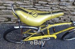 Vintage 1971 Schwinn Stingray Manta Ray 5-speed Bicycle