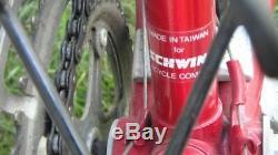 Vintage 1980'S 25 mens red Schwinn Sprint 10 speed road bike