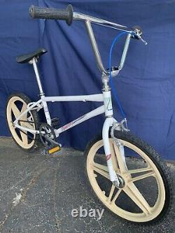 Vintage 1985 SCHWINN PREDATOR Freeform EX Old School Freestyle BMX Bike Bicycle