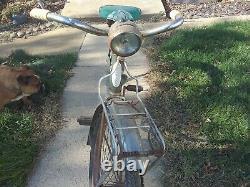 Vintage Schwinn Corvette 26 Baloon tire bicycle, survivor, barn find