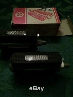 Vintage Schwinn Diamond Tread Reflector Bike Pedals new boxed