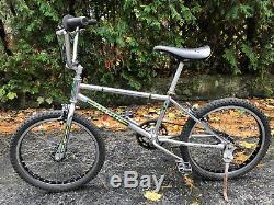 Vintage Schwinn Predator CR-MO P2200 Araya 20 BMX Old School survivor bike