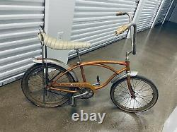 Vintage Schwinn Stingray Deluxe Bicycle
