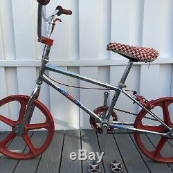 Vintage schwinn bike bicycle chrome the sting bmx